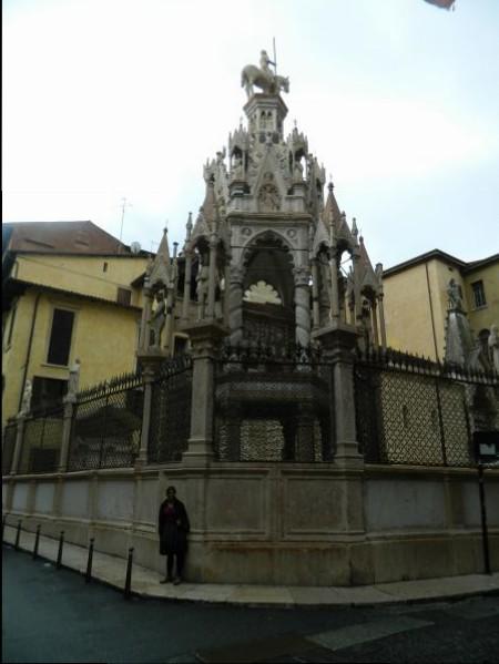 Verona church memorial