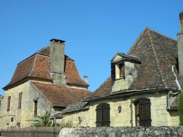 Dorgone architecture