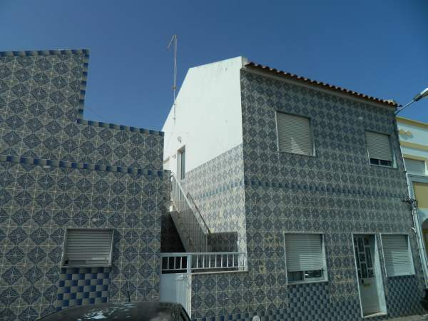 Coastal houses covered in tile