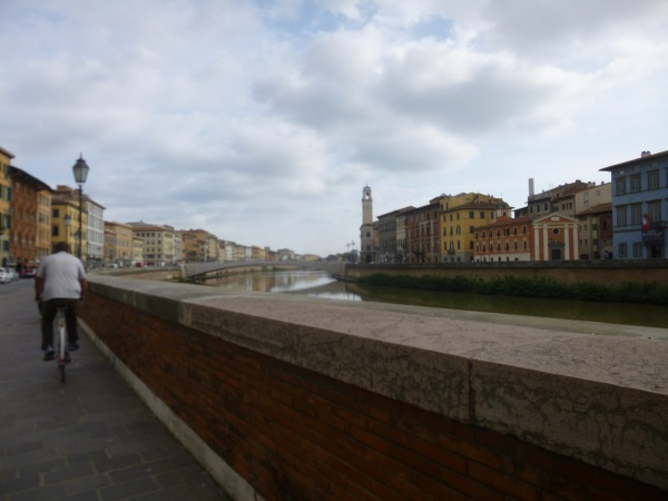 A bike trip along the Arno river.